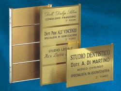 Tetpero telaio porta targhe in ottone alluminio plexiglass - Targhe porta plexiglass ...
