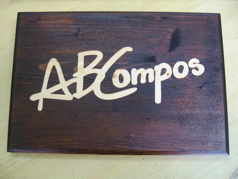 Tetpero incisione targhe in legno for Targhe decorative in legno